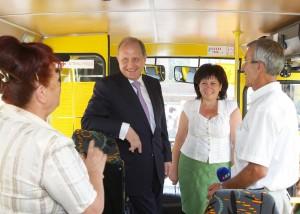 Школьные автобусы: занятная арифметика    20120827ARVI0192 300x214
