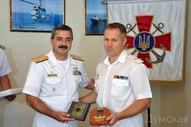 Дмитрий Шакуро справа
