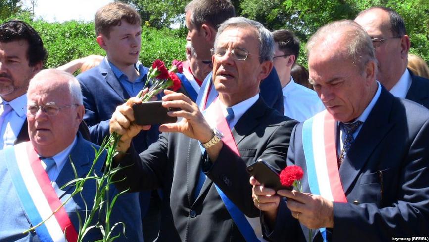 Французского депутата отстранили от должности в ПАСЕ за визит в Крым. КрымФАН.