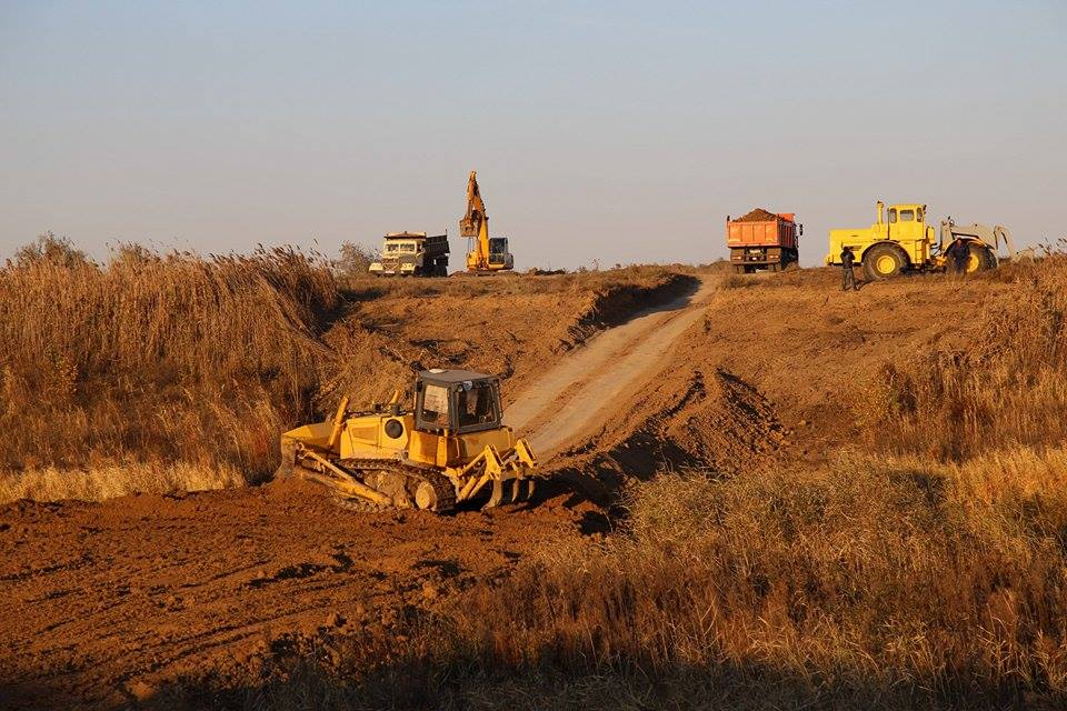 Днепр отКрыма довесны закроет дамба— будут строить круглые сутки