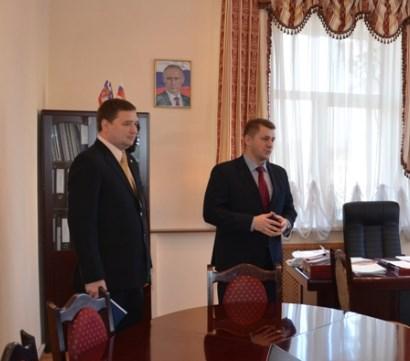 М.Балахонов слева