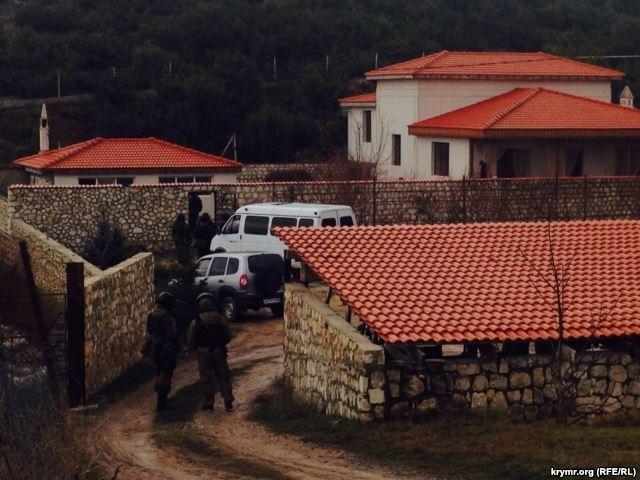 Обыск дома заместителя председателя Меджлиса Ахтема Чийгоза январь 2015 года