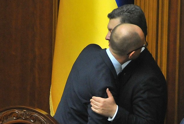 yacenyuk_poroshenko_za_shyrmoy