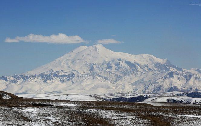 Сорвавшийся наЭльбрусе украинский альпинист найден живым