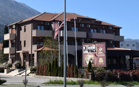 Гостиница Perjanik в Даниловграде, где были обнаружены большинство сектантов Фото: vijesti.me