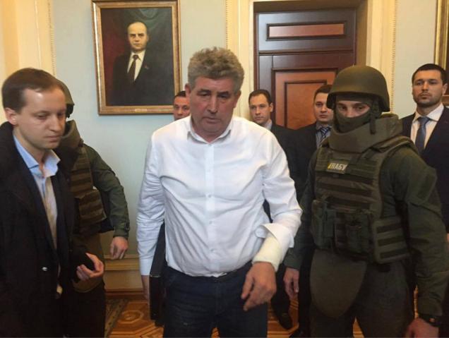 Скандального одесского судью Бурана оставили под арестом