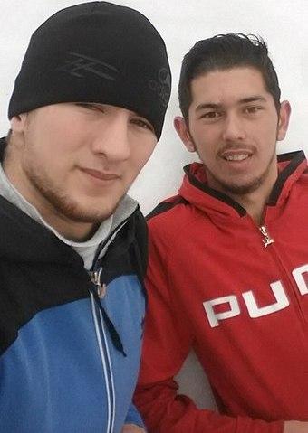 Джохар Мелясанов (справа)