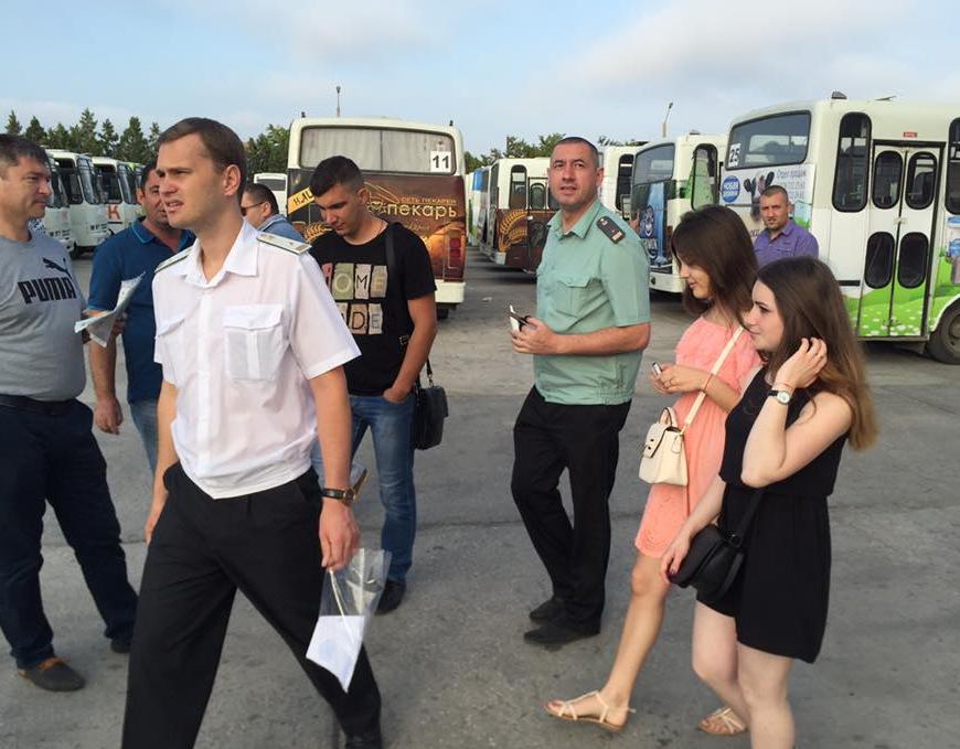 В Крыму судебные приставы не выпустили автобусы СимСитиТранс в  Об