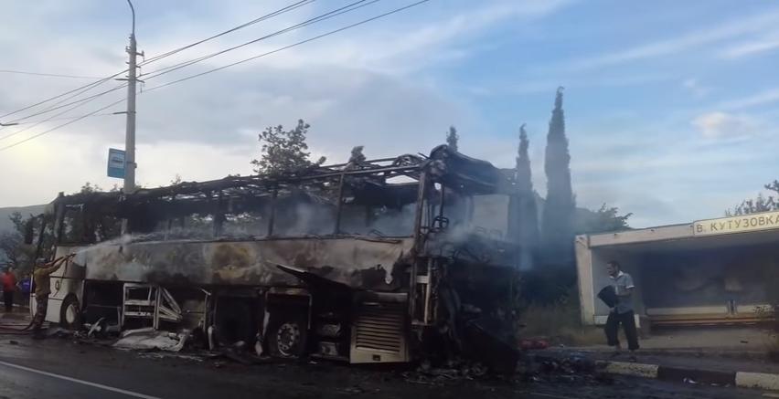 pozhar_avtobus_v.kutuzovka_2