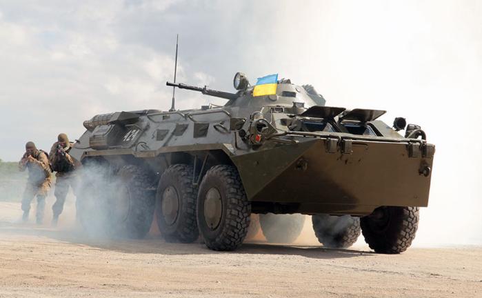 Военная генпрокуратура расследует завышение стоимости БТР для таможенников наХерсонщине