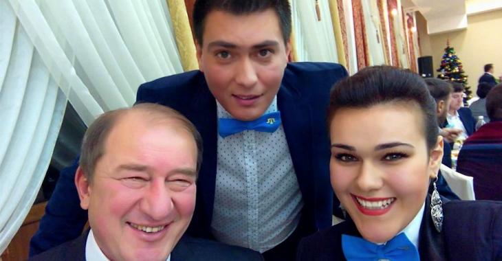 Ильми Умеров с сыном Сулейманом и дочерью Айше