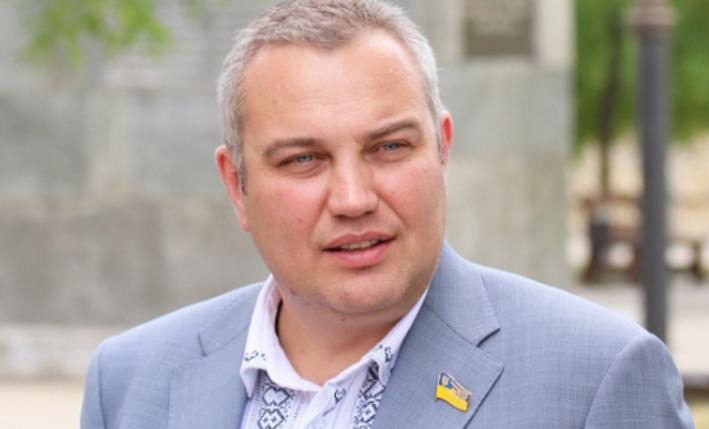 Народные избранники  Херсонского облсовета отправили вотставку его руководителя  Путилова