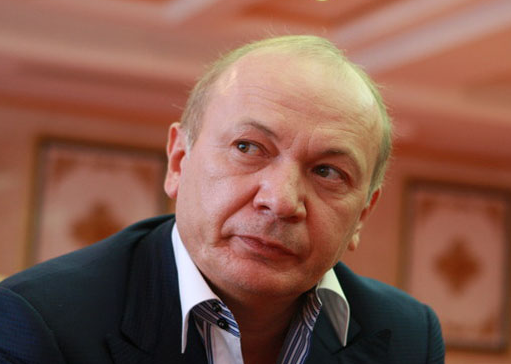 Юрий Луценко пообещал завтра вручить подозрение Юре Енакиевскому иего «команде»