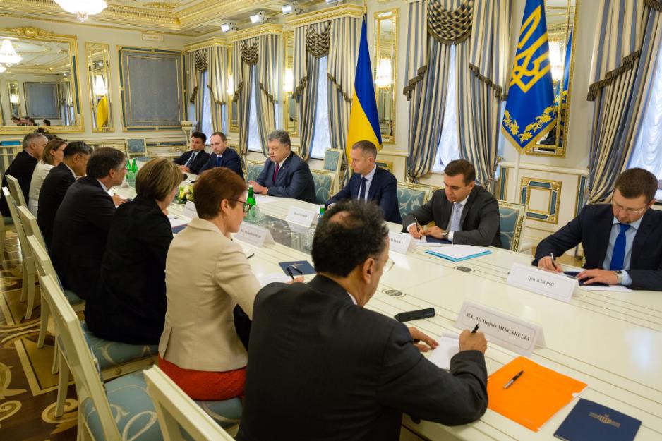Вближайшие дни СНБО продлит санкции против РФ— Порошенко