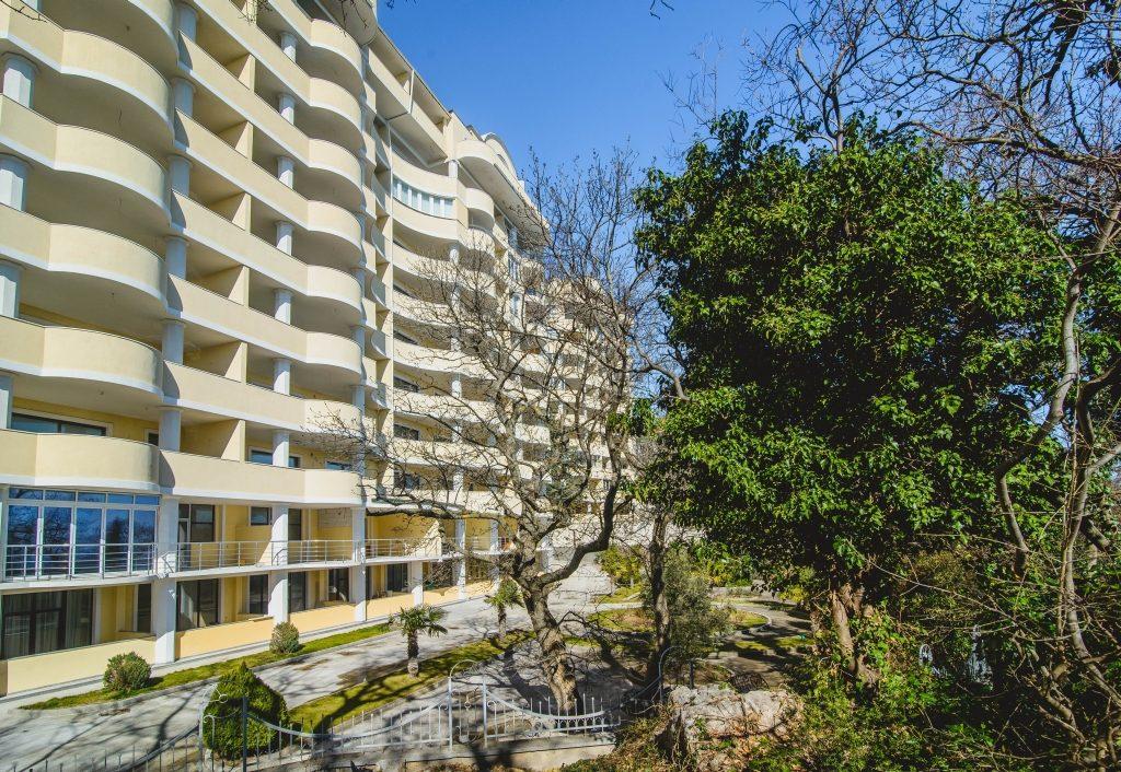 Ореанда Плаза в Ялте, где у жены Сальдо есть апартаменты, фото оreanda-plaza.com