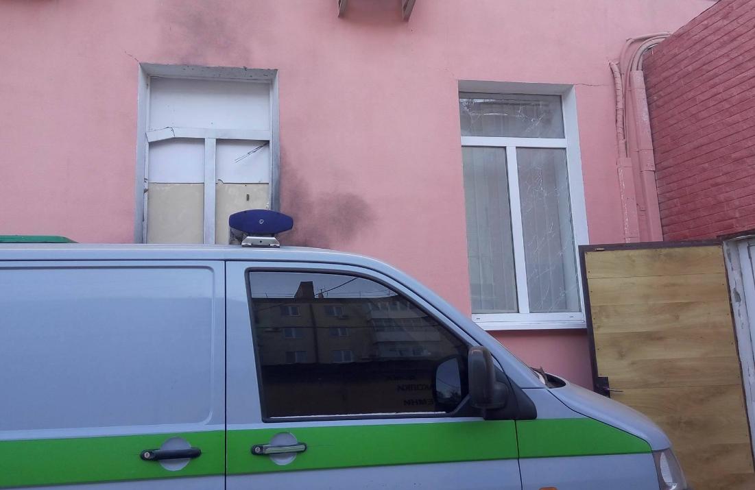 Около одного изотделений банка вХерсоне произошел взрыв