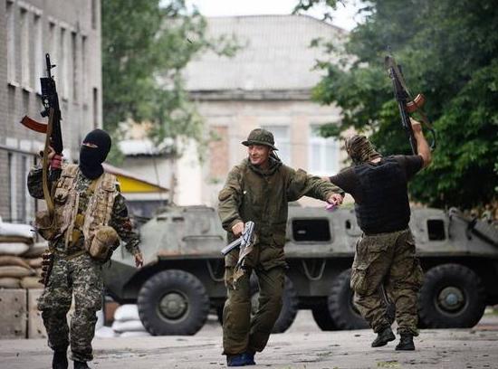 Геноцид Донбасса отПорошенко: ВСУ засутки ударили по16 городам ДНР