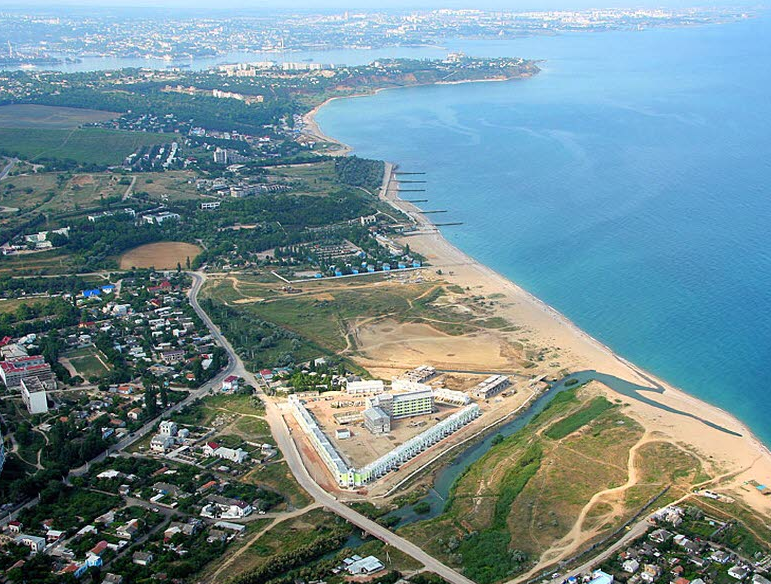 Агентура: Воккупированном Крыму улюдей отбирают земли для расширения военного городка