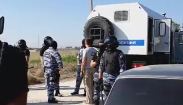Русские оккупанты пришли собыском кжителю крымского поселка
