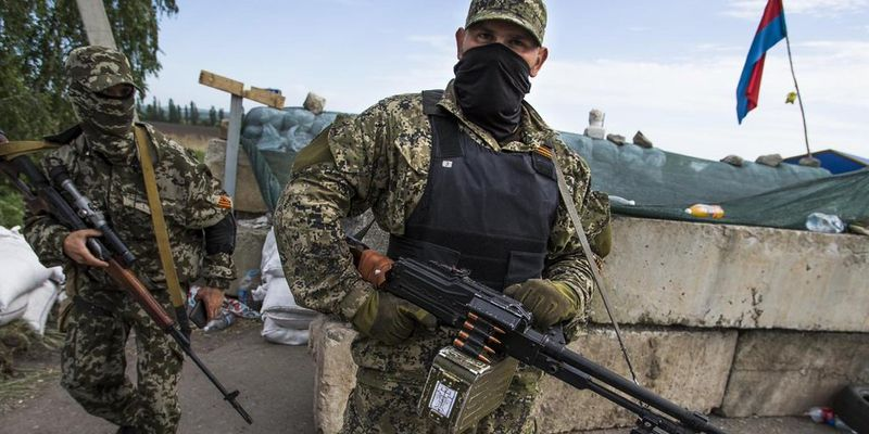 НаДонбассе командиры боевиков массово изымают паспорта у русских наемников— агентура