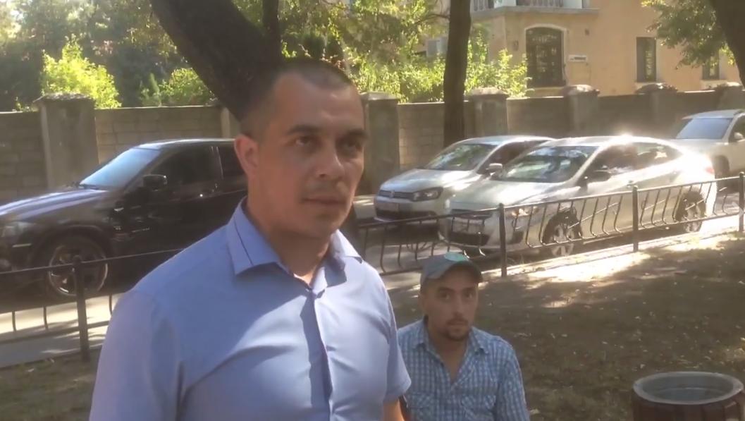 Воккупированном Симферополе задержали активистов, которые поддерживали избитого крымчанина Параламова