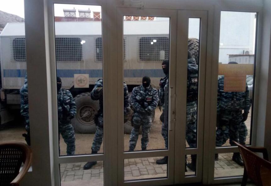 ВСудаке ОМОН заявился на совещание «Крымской солидарности»