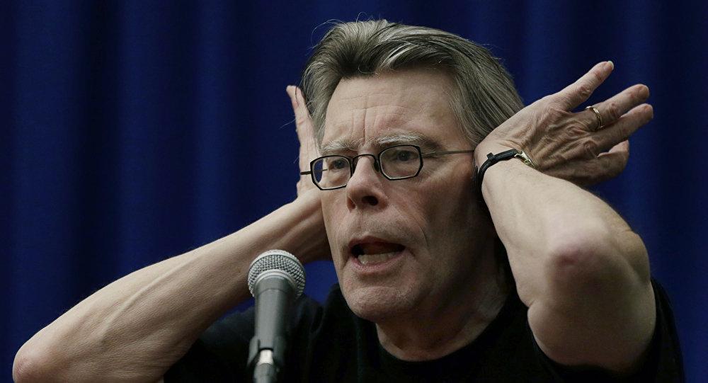 Письменник Стівен Кінг закликав звільнити українського режисера Олега  Сенцова. Заклик до звільнення ... e5c834290a6ae