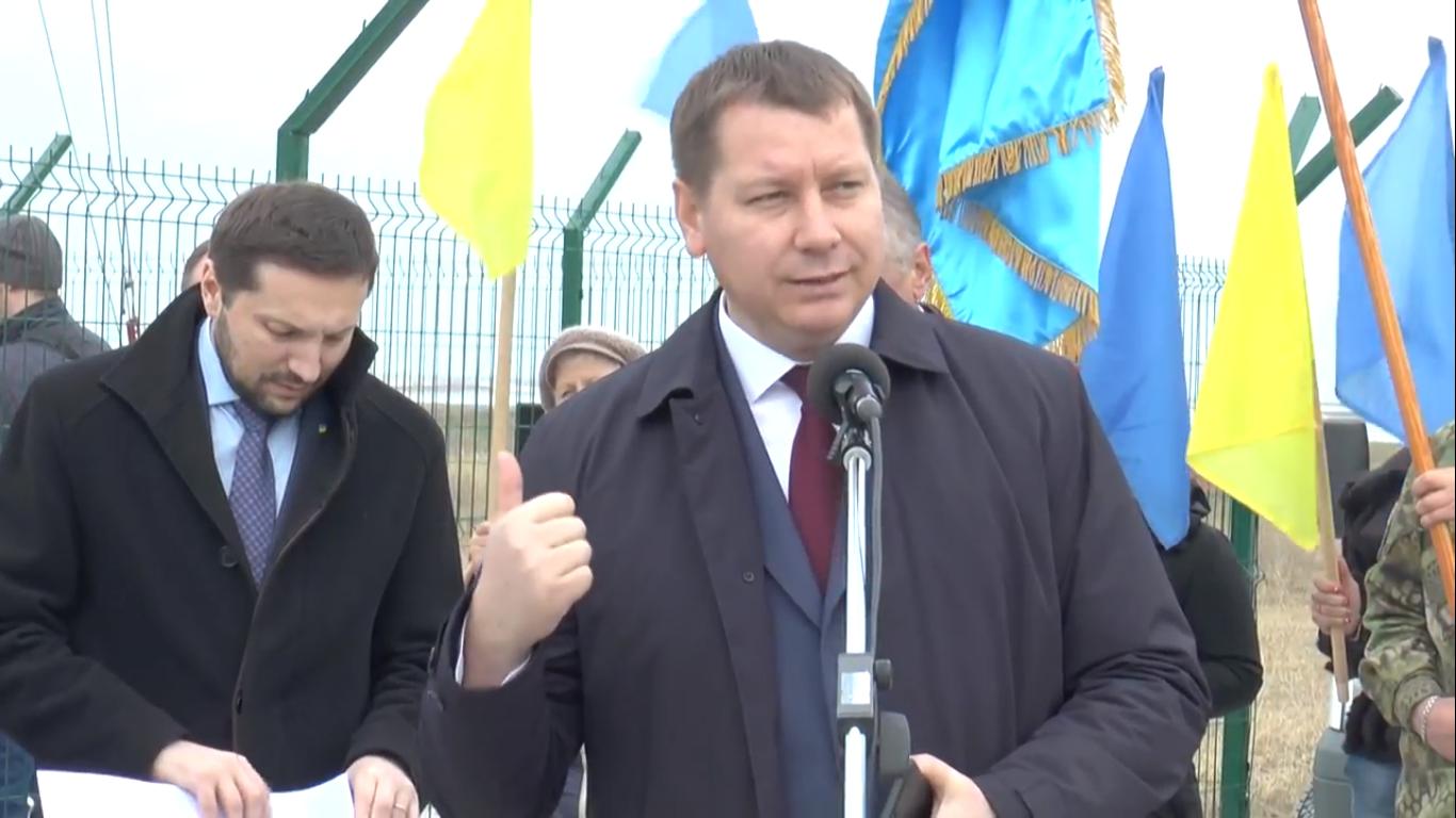 КПВВ на межі з Кримом: загальмоване будівництво