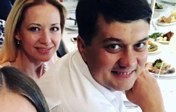 Screenshot 210 593x380 - Александр Разумков и его семейный бизнес