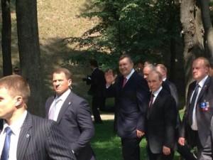 4f479f6--foto-iz-facebook-olega-tsar-ova.janukovich-i-putin-pislja-molebnu-na-volodimirs-kij-girtsi