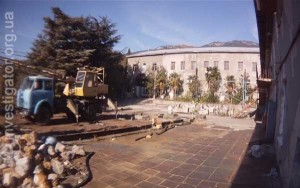 Энотеку института «Магарач» эвакуировали в Ливадию, опытный завод – в Вилино. Территория рядом с «дачей Януковича» почти свободна   Still1113 00001 300x188