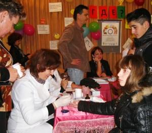 Студентов и сотрудников Ялтинского колледжа проверили на сахарный диабет   diabet akcia2 300x263