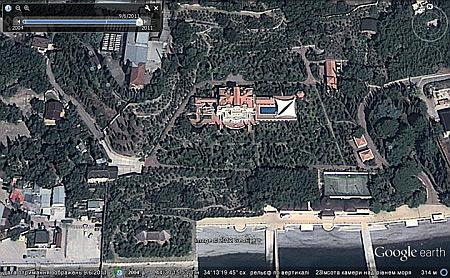В интернете выставили фото строительства бассейна на даче Януковича в Магараче   f29d280 vid2
