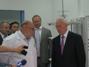 Азаров открыл оперблок Ливадийской больницы   livadia hospital azarov3 300x225
