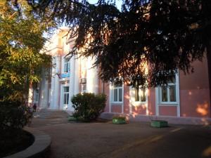 Ливадийская школа интернат, где отравились дети, возобновит работу в понедельник     livadia internat 300x225
