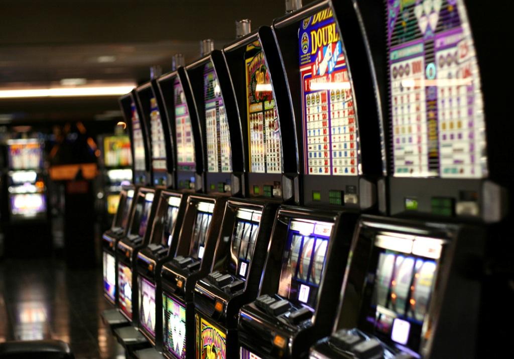 Игровые автоматы г.ялта 20 линейные игровые автоматы играть бесплатно