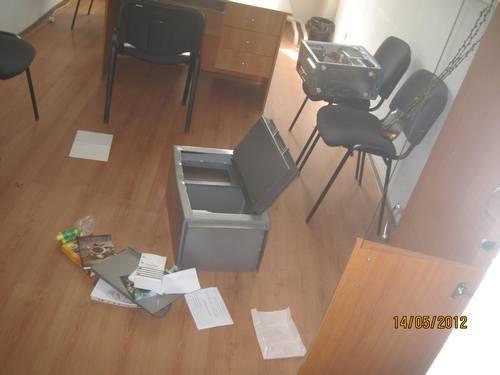 В Крыму взломали офис Батьківщини vzlom1 150x150.